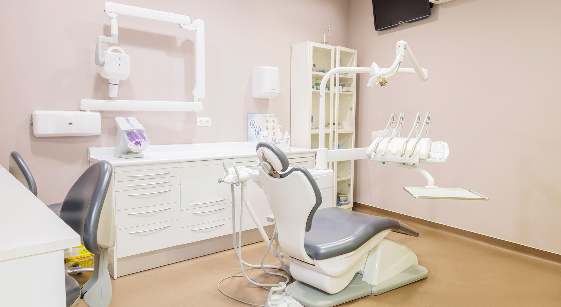 clínica dental Mieres